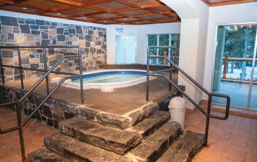 Rundlestone Lodge Hot Tub